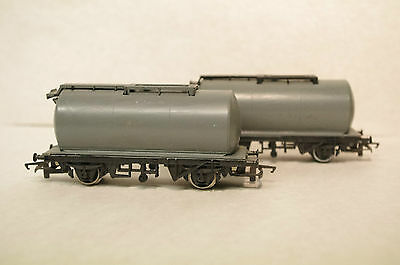 Hornby  Fuel Tankers X 2