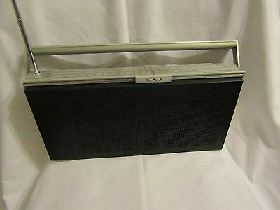 1970's Bang & Olufsen BEOLIT 400 PORTABLE RADIO - Very Good Condition