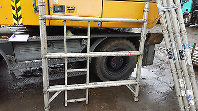 6x YOUNGMAN SCAFFOLDING TOWER FRAMES COMES WITH BOSS PLATFORMS