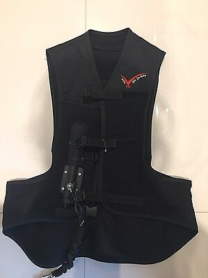 Bn Childs Medium Point Two Air Jacket + 2 Spare Cannisters