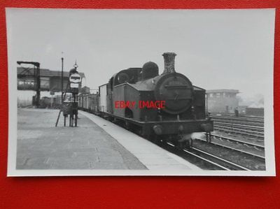 Photo  Lner Ex Gnr Class J50 Loco No 68946 At Clapham Junct