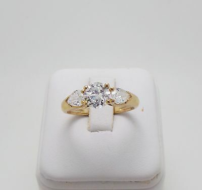 9ct YELLOW GOLD TRILOGY RING - RING SIZE O 3/4