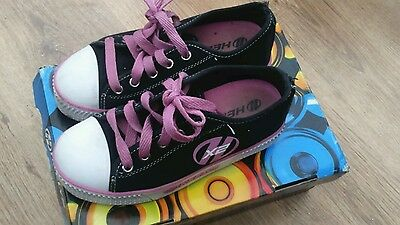 Girls Heelys size 1 jazzy black and pink