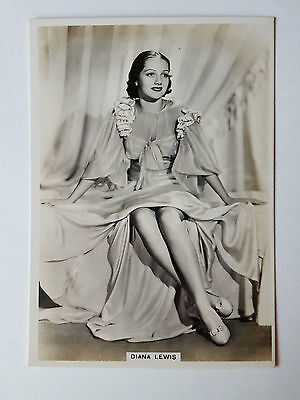 MODERN BEAUTIES 4th SERIES - #32 DIANA LEWIS - 1937 - B.A.T. Cigarette Card