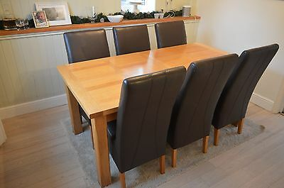 Solid Oak Dining Table plus 6 chairs