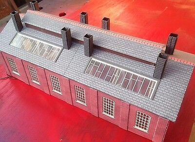 Engine Shed Metcalfe (assembled) 00 with lights.