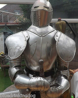 Full Size Suit Of Armour Ideal Gift Birthday Or Xmas For The Guy Who Has It All