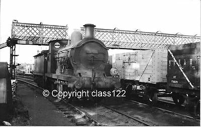 B&W photo SECR 'C' class 0-6-0 No.31481 at Faversham