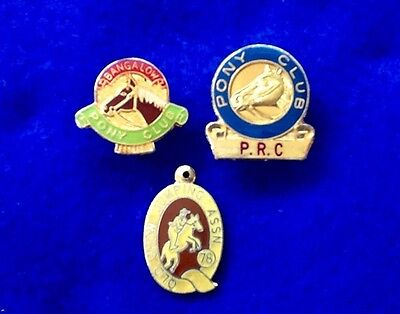 SHOW-JUMPING Pony Club BADGES (3) Pins Horses... FREE POST