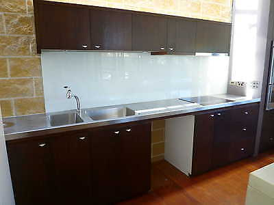 Kitchen Cabinets, Stainless Steel Benchtop, Induction Cooktop, 16W