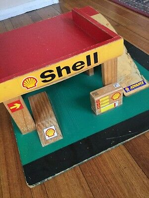 Vintage 60s WOODEN TOY SHELL OIL PETROL STATION gas garage service RETRO Ramp
