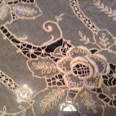 Antique Floral Lace Eggshell Tablecloth 88 X 108