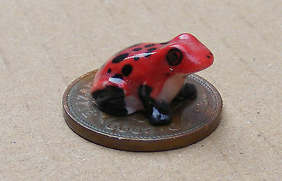 1:12 Scale Red Dolls House Miniature Ceramic Frog Garden Animal Pet Accessory L