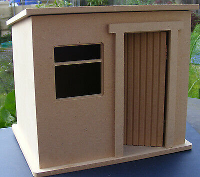 1:24 Scale Small Flat Pack Wooden Garden Shed Dolls House Miniature Kit
