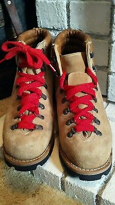 Vintage hiking boots 1970-80's Red laces (leather) US mens size 9