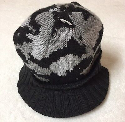 NWT 2T-3T TODDLER Crazy 8 Black   Gray Camo Knit Hat Cap With Cable 8f595a5cbc20