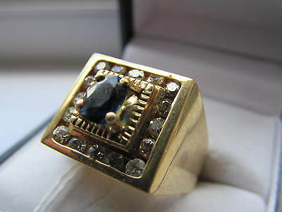 Beautiful vintage 18 ct gold diamond and sapphire ring