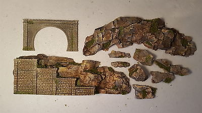 N Gauge Double Track Tunnel + Stepped Side Wall Rock Face Scenery Set