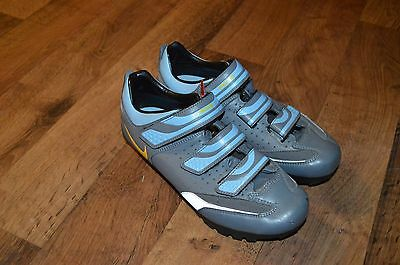 NIKE ACG Womens Size 8 Outdoor Cycling Bicycle Clip On Athletic Shoes Gray Blue