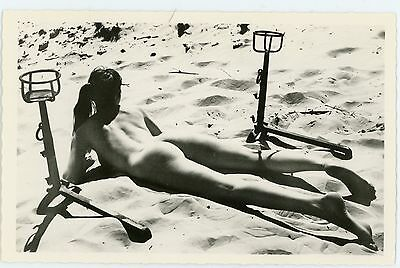CARTE PHOTO vintage sexy girl naked woman sur la plage curiosa PIN-UP