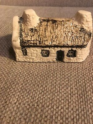 No 21 Crofters Cottage From 'Britain In Miniature' Tey Pottery House Collection