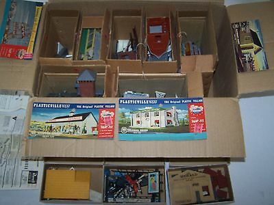 PLASTICVILLE HO scale TRAIN Diorama Buildings Lot of vintage PARTS and pieces
