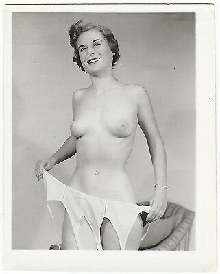 Vintage Nude Photo Busty Woman Original 1950s Pinup Gelatin Silver FB29
