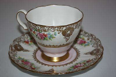 GROSVENOR SOFT PINK FANCY GOLD DESIGNS FLORAL TEA CUP AND SAUCER a38