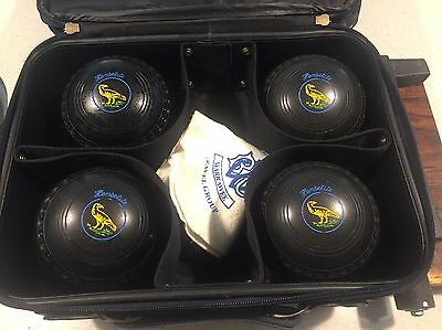 Henselite Classic II Deluxe Size 4 Heavy Lawn Bowls Set and Bag