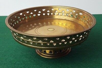 """ANTIQUE / VINTAGE - SOLID BRASS - BOWL STAND PATTERNED EDGE - 5.5"""" x 2.5"""" - 400g"""
