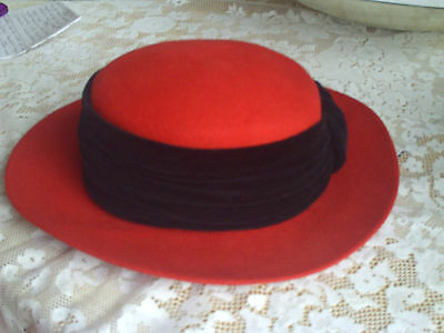 ladies felt hat Peter Bettley. Boater style Red