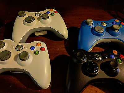 Xbox 360 controllers - 4 Working Xbox 360 controllers and charger