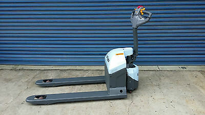 Utilev 1.5ton Premium Electric Pallet Jack **BRAND NEW**  New Year's SPECIAL!!!!
