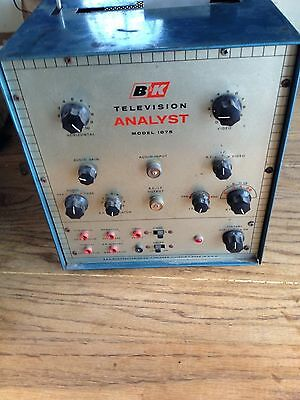 Vintage B & K Television Analyst Model #1075 - Powers On