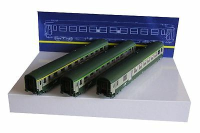 Voiture Voyageurs Ho 1/87 Ree Vb-162 - 3 Voitures Uic 1/2 Cl 2Cl 2Cl/fourgon
