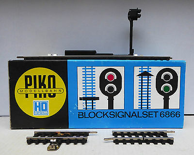 Piko 2 Block Signal Colour light sets with instructions in original box