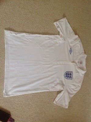Mens Umbro England Home White Casual Sport TShirt Size 40 Large Official Product