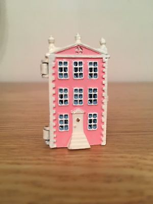 Warwick Miniature Dolls House