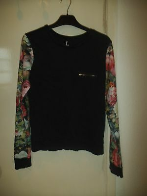 Womans Long Sleeved Round Neck Tee shirt Casual top Atmosphere Size 8 floral