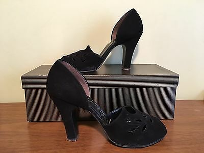 Vintage 1940's Pair of Women's Black Open Toe Peep High Heel Shoes by HOLIDAY