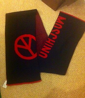 New Moschino scarf in black and red