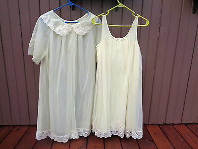 Shadowline Vintage Nightgown And Matching Robe Knee Length Size Small