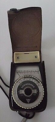 LENINGRAD 4 LIGHT METER in LEATHER CASE with STRAP