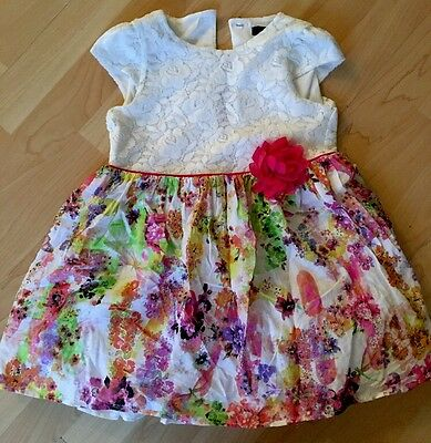 Beautiful Little Girls Floral Dress  Age 3 - 4 Years Next Day Post