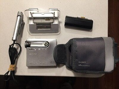 Sony MZ N-10 MD Portable MiniDisc Recorder Player, W Accessories, Tested