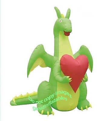 Valentines Day Inflatable Dragon In Love Holding Heart Airblown Decoration