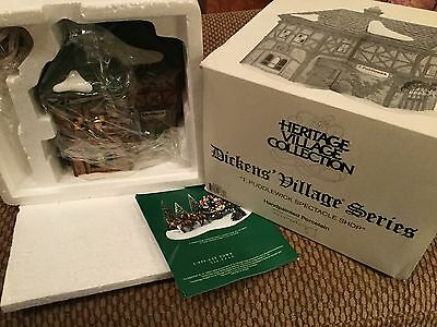 Dept 56 Dickens Village T. Puddlewick Spectacle Shop 58331 MINT CONDITION