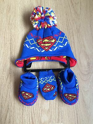 *Brand New* Lovely Boys 'SUPERMAN' Hat, Mittens And Bootie Set Age 0-6 Months