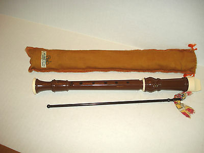 Vintage Aulos Made In Japan 105-E Recorder Flute Carrying Bag-Cleaning Rod