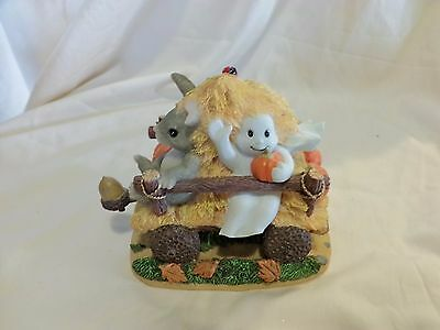 Charming Tails HAUNTED HAYRIDE 85/883 Ghost Rabbit DEAN GRIFF (78)